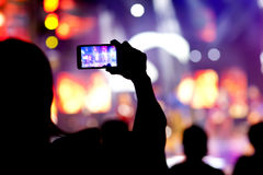 Povos no vídeo do tiro do concerto fotos de stock royalty free