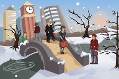 Povos que andam no parque durante o inverno Fotografia de Stock