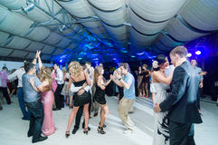 Povos que dançam na barra Foto de Stock