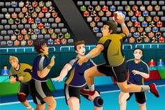 Povos que jogam o handball na competição Foto de Stock Royalty Free