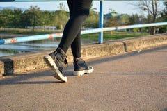Povos que movimentam-se na manhã para o exercício e saudáveis Fotografia de Stock Royalty Free