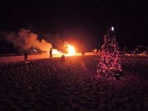 Povos que olham fogos-de-artifício na praia de Candolim Foto de Stock Royalty Free