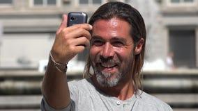 Povos que tomam selfies video estoque