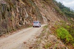 Povos que viajam no carro 4X4 no vale de Intag Imagens de Stock Royalty Free