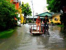 Powódź powodować tajfunem Mario w Filipiny na Wrześniu 19, 2014 (zawody międzynarodowi imię Fung Wong) Obrazy Royalty Free