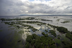 Powódź z zalewającymi terenami Obrazy Stock