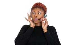 Poważny żeński obsługa klienta przedstawiciel na telefonie Zdjęcia Royalty Free