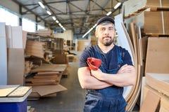 Poważny asembler meblarska fabryka fotografia royalty free
