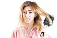 Powabna dziewczyna haczył z sznurkiem włosy dla grępli obrazy royalty free