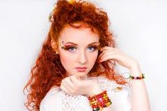Powabna dziewczyna z dekoracyjnym makijażem Obrazy Stock