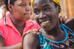 Powabna dziewczyna z pięknym uśmiechem obraz royalty free