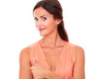 Powabna latynoska dama z kciukiem up Zdjęcie Royalty Free
