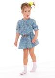 Powabna mała dziewczynka bawić się zabawę i ma Obraz Royalty Free