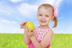 Powabna mała dziewczynka Zdjęcie Royalty Free