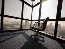 Powalać pusty i osamotniony w biurze Zdjęcie Stock