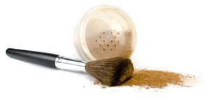 Powder and brush. Isolated over hite Stock Photography