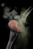 Powderbrushes e respingo do pó Fotografia de Stock Royalty Free