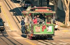 Powell Hyde-Drahtseilbahn in San Francisco Stockbilder