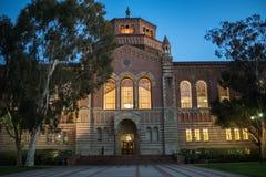 Powell Library en la Universidad de California, Los Ángeles UCLA Foto de archivo libre de regalías