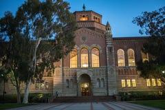 Powell Library en la Universidad de California, Los Ángeles UCLA Foto de archivo