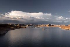 Powell sjö i solsken Arkivbild