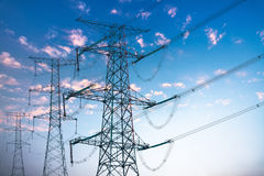 Free Power Transmission Tower Royalty Free Stock Images - 28004299