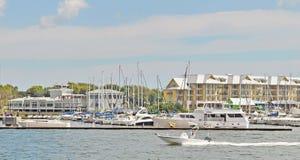 Powerboat Wraca dok Zdjęcie Royalty Free