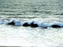 Crashing waves. Powerful crashing waves against rocks Royalty Free Stock Images