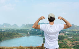 Powerful hiker enjoying at the viewpoint Royalty Free Stock Photos