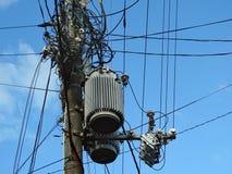 Powerline izolatory, włączniki, transformatory i czochrający druty, Obraz Stock