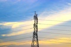 Powerline kolorowy nieba i chmur tło Fotografia Royalty Free