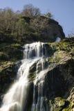 Powerscourt瀑布在Enniskerry, Co Wickow,爱尔兰 库存照片