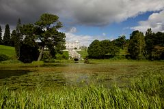 Powerscourt trädgårdar i Irland Arkivbild