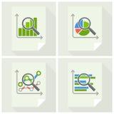 Powiększać - szkło i mapa na bielu Fotografia Stock