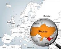 Powiększać - szkło nad mapą Europa Obraz Royalty Free