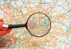 powiększ szklana mapa Zdjęcia Stock