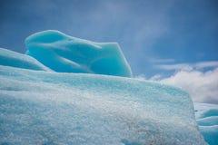 Powierzchnia lodowiec błyszczy w słońcu Shevelev Fotografia Royalty Free