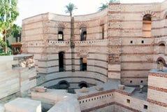 Powierzchowność Koptyjski kościół w Kair, Egipt z głębokimi jamami obrazy royalty free