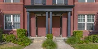 Powierzchowność symetryczny dom w brzasku Utah zdjęcie stock