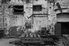 Powierzchowność Zaniechany magazyn w Czarny I Biały Zdjęcia Stock