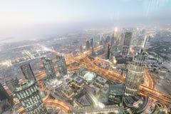 powietrzna arabska w centrum Dubai emiratów noc jednoczył widok Zdjęcia Stock