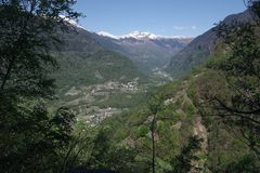 Powietrzna fotografia Blenio dolina - Szwajcaria obrazy stock