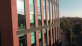 Powietrzna klamerka z budynkiem biurowym zbiory wideo