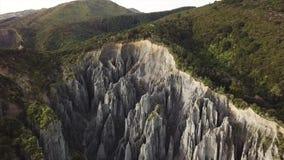 Powietrzna niecka Opuszczać, pinakiel formacja W Nowa Zelandia zdjęcie wideo