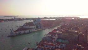Powietrzna orbita nad San marco kwadratem przy wschód słońca w Venice Italy zbiory wideo
