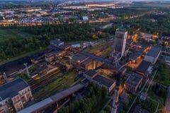 Powietrzna trutnia widoku czerni kopalnia węgla przy półmrokiem Zdjęcia Royalty Free