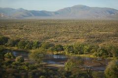 Powietrzne fotografie rzeka i Lewa Conservancy w Kenja, Afryka fotografia royalty free