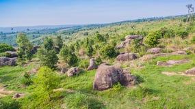 powietrznej fotografii naturalna kamienna rzeźba przy Mo Hin Khao Obraz Royalty Free