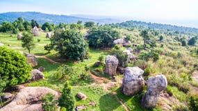 powietrznej fotografii naturalna kamienna rzeźba przy Mo Hin Khao Fotografia Stock