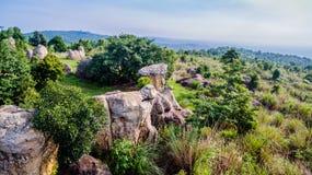 powietrznej fotografii naturalna kamienna rzeźba przy Mo Hin Khao Zdjęcia Stock